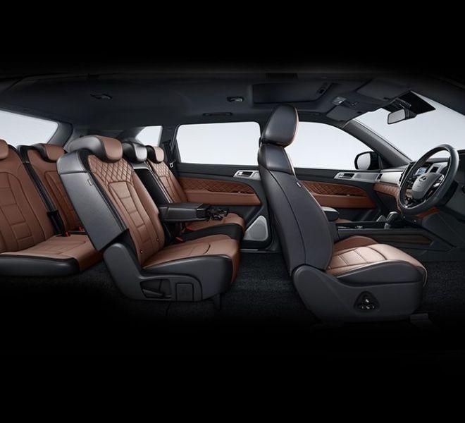 Automotive Mahindra Alturas G4 Interior-8